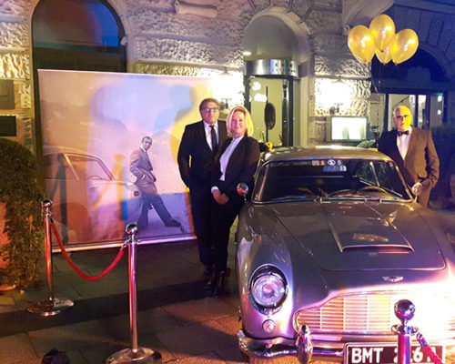 Croupier Mieten Mitglieder am James Bond Auto